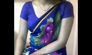 Sexy Desi Aunty boobs teasing in saree xxxmilf.pro xVideos