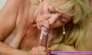 Chubby gilf banged after sucking cock xVideos