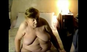 Having fun with my old fat aunt. Amateur xVideos