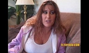 Massive tits older lesbian bitch pussy playing with young bitch xVideos