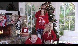 Step-Sis fucked me during family cristmas picture| xxxmilf.pro xVideos