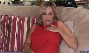 Toying milf Jodi West Masturbates xVideos