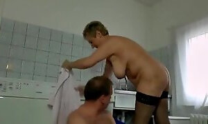 Kitchen piss and sex games