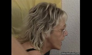 Horny old fat woman gets her ass fucked xVideos