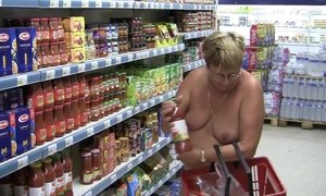 Shopping naked AnalDin
