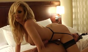 Amazing Julia Ann doing her job Beeg