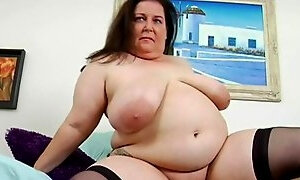 Fat big slut gets her mature pussy nailed on the floor