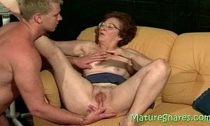 Licking a 70plus vagina xVideos