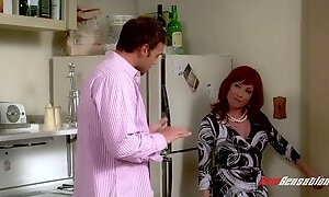 Cool Friends sex parody featuring Joey fucking Rosss hot mommy