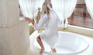 Bathing Beauty Beeg