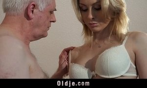 Old employer fucks blonde at an interview xVideos