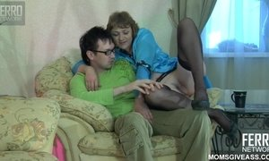 Old Plumper With Pale Wrinkle Bottom Gets Sodomized By Nerdy Stud AnalDin