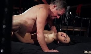 Old man is spoiling his dick with fresh young wet puss xVideos